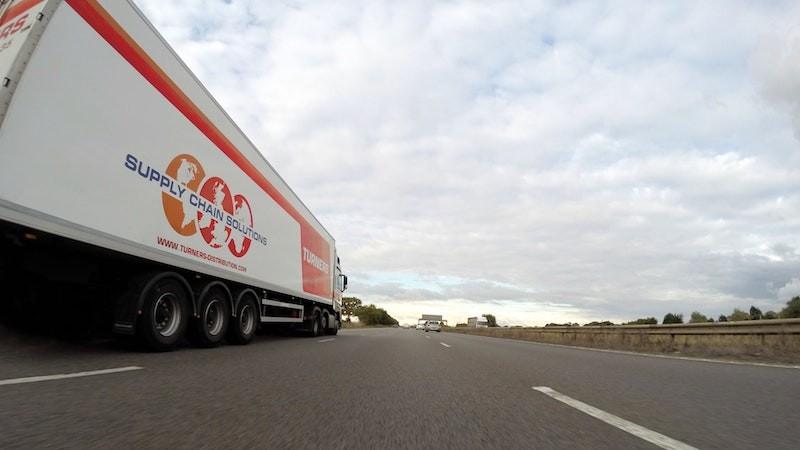 trailer nave logistica